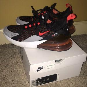 Air max 270 crimson Nike.